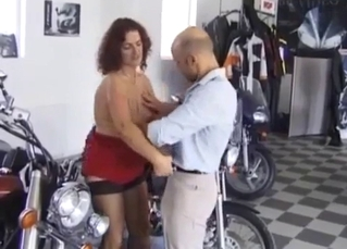 Bald dad with hard dick licks his daughter's cunt